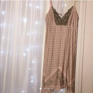 Silky night gown